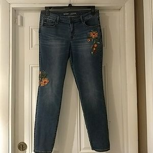 Old Navy Rockstar Embroidered Jeans Size 12
